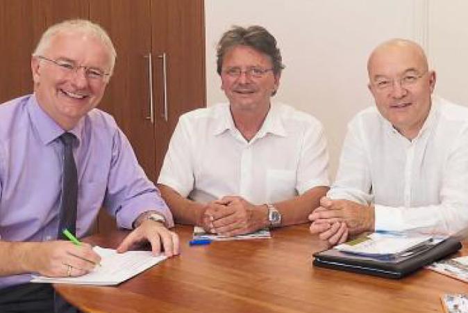 Gemeinsame Charta unterzeichnet
